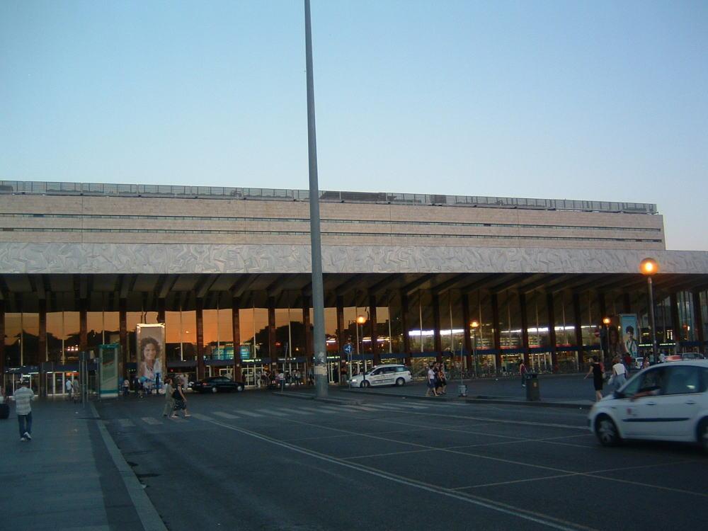 ローマ観光 個人旅行ならテルミニ駅を拠点にしよう!