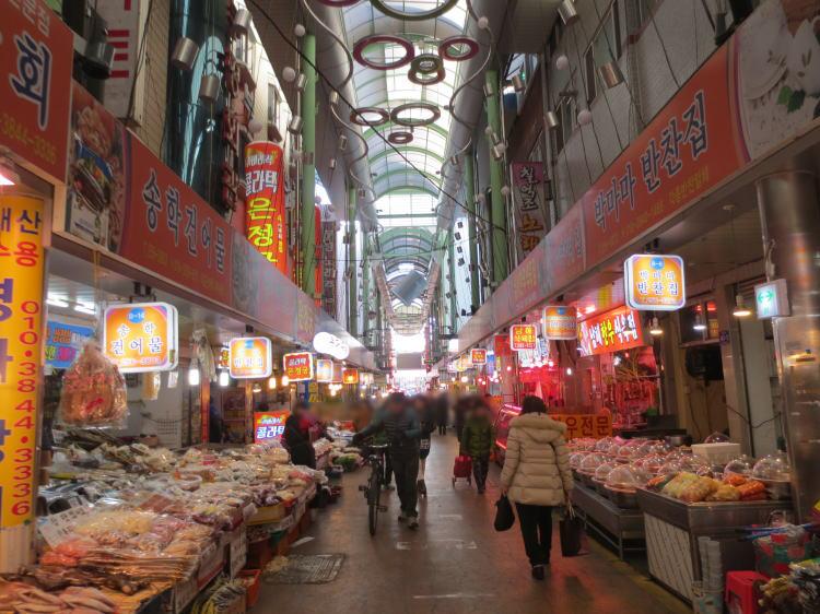 韓国旅行 釜山(国際市場とその周辺を歩く)