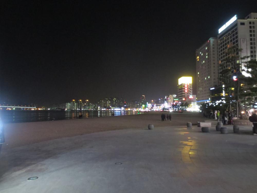 韓国旅行 釜山(夜の広安里ビーチ歩き 11,000ウオンのチムジルバンに泊まる)